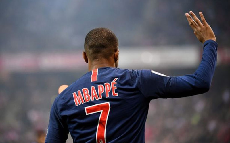 kylian-mbappe-hands-in-transfer-request-to-madrid-sports-leo