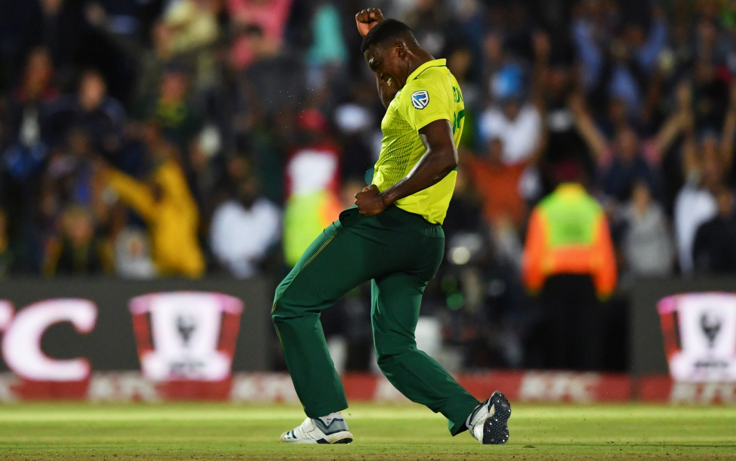 South Africa edge England by one run in opening T20 thriller - Sports Leo