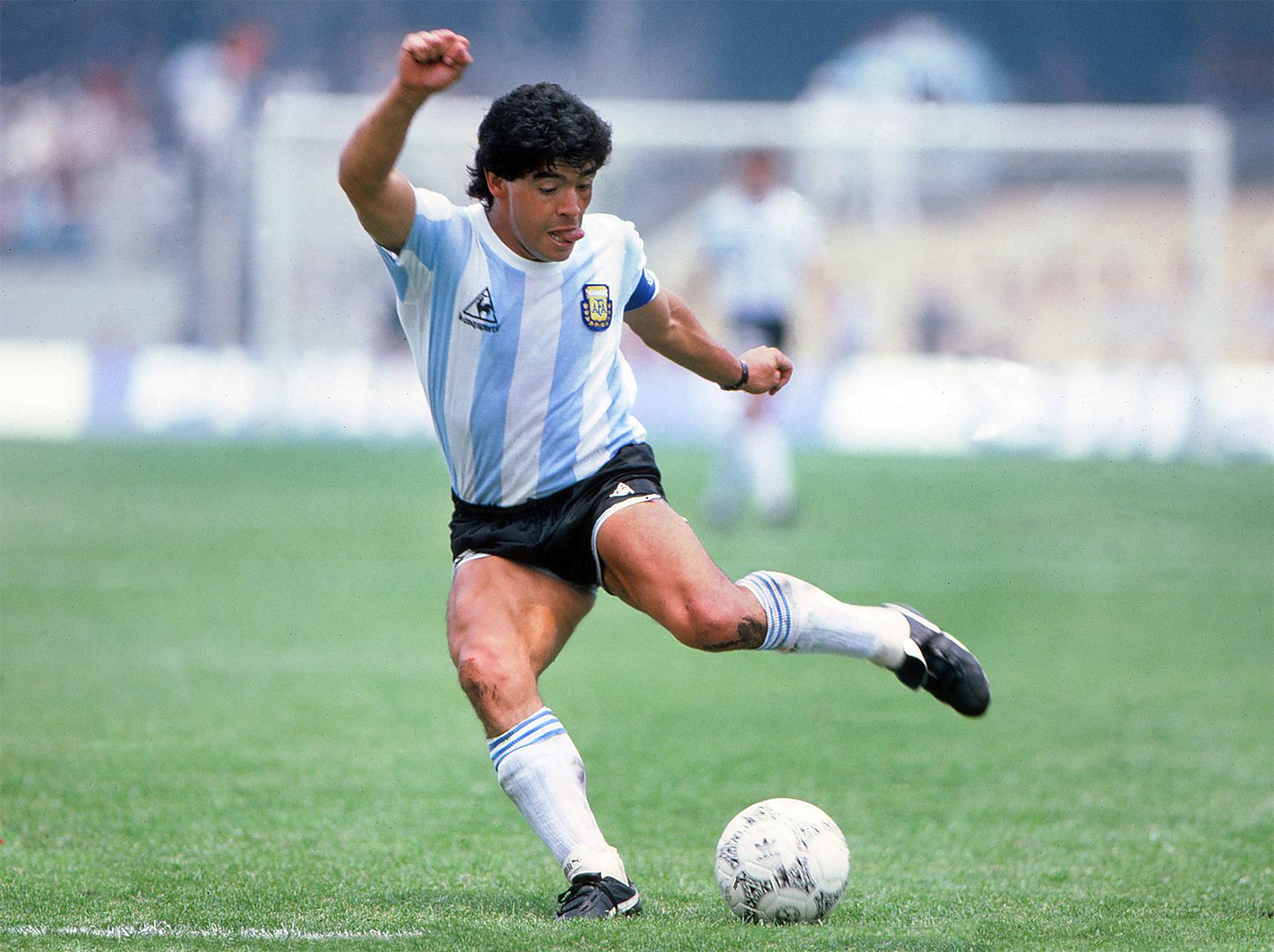 Argentine star Diego Armando Maradona passes on aged 60 - Sports Leo