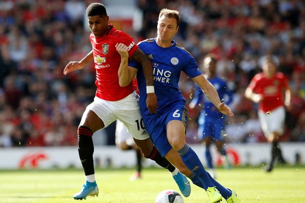 Leicester City defender Jonny Evans signs new contract - Sports Leo